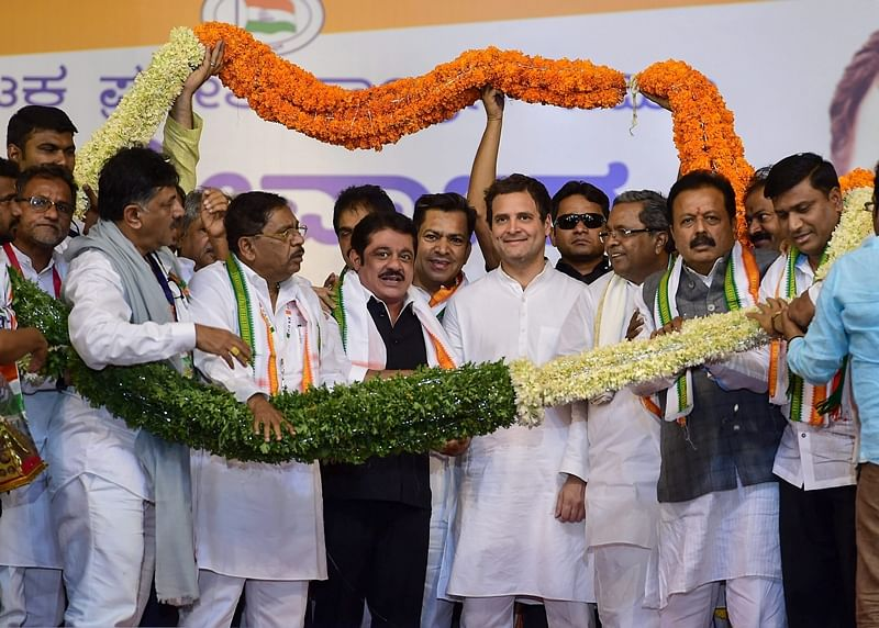 10 JD-S leaders join Congress in poll-bound Karnataka