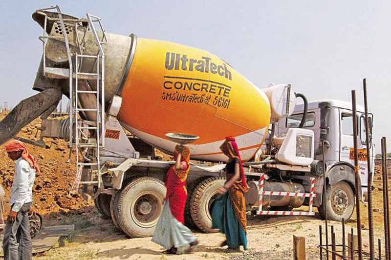 Higher costs squeeze UltraTech's Q2 profit