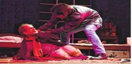 Bhopal: The Caretaker, Kinu Kaharer Thetar win praise