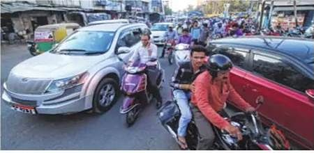 Indore: Chhawni Road; Parking, a monkey business