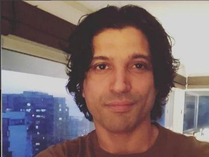 Farhan Akhtar's clean-shaven look reminds us of his Zindagi Na Milegi Dobara  days!