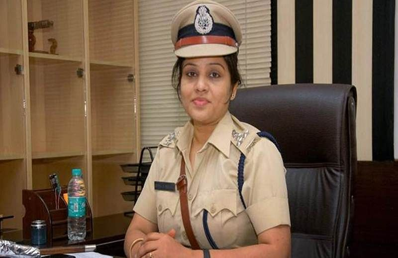 IPS officer, who exposed prison favours to Sasikala, declines award