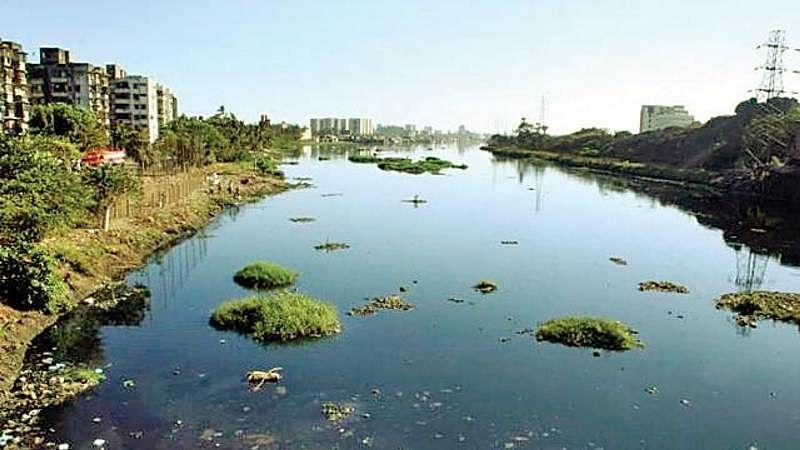 Mumbai: MMRDA plans to outsource Mithi river protection, development hangs in balance