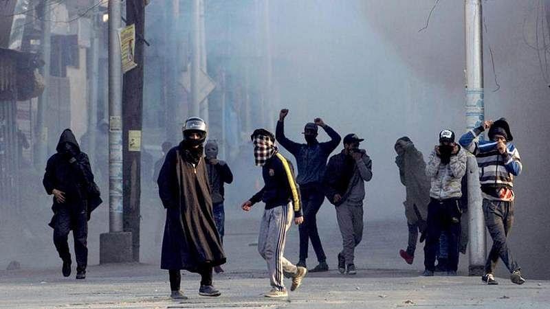Shopian Firing: Jammu & Kashmir govt says Major Aditya not named as accused, SC halts probe