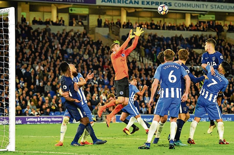 Kane strikes, but Tottenham held by Brighton