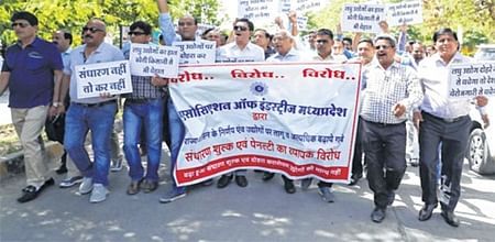 Indore: 200 industrialists take to streets to protest hike in charges