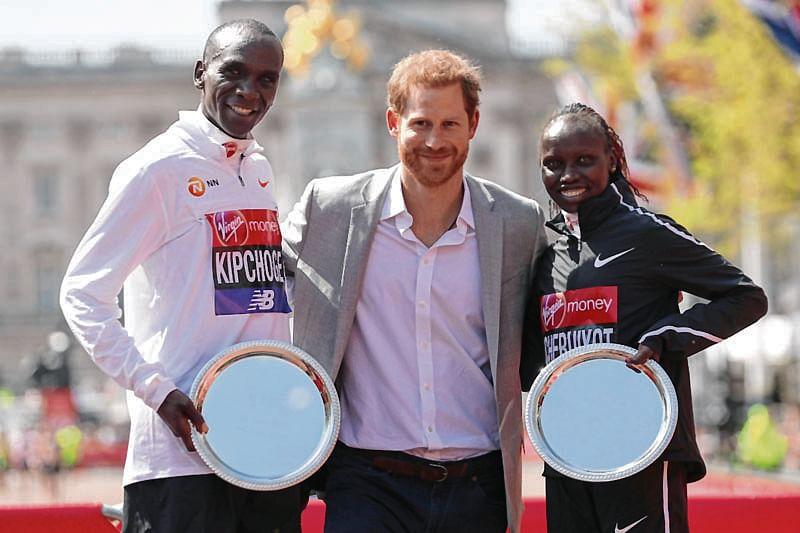 Kipchoge, Cheruiyot celebrate Kenyan double