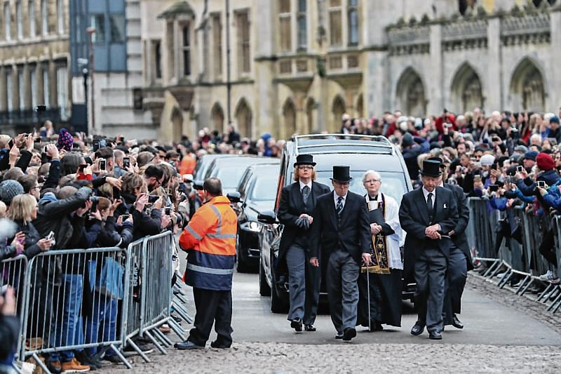 Stephen Hawking funeral takes place in Cambridge