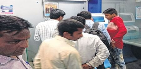 Indore: ATMs go dry, cash crunch erupts in city