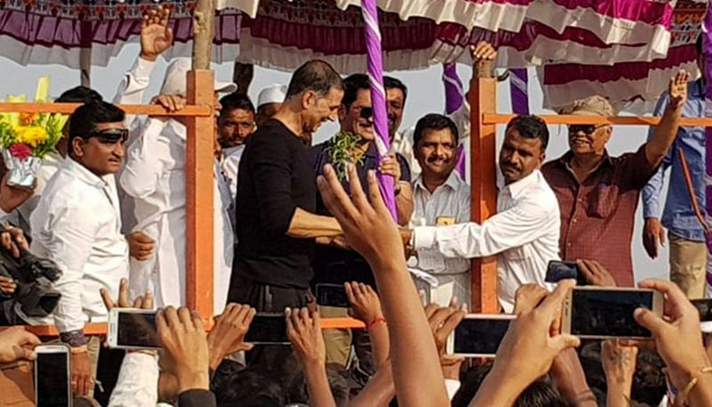 In pictures: Akshay Kumar's philanthropic side for the people of Satara is truly heart-touching