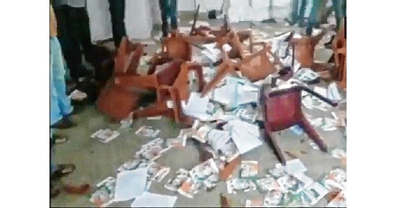Cong workers vandalise party office in protest