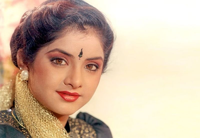 Divya Bharti's tragic death causes an estimated loss of Rs. 2 crore for Bollywood