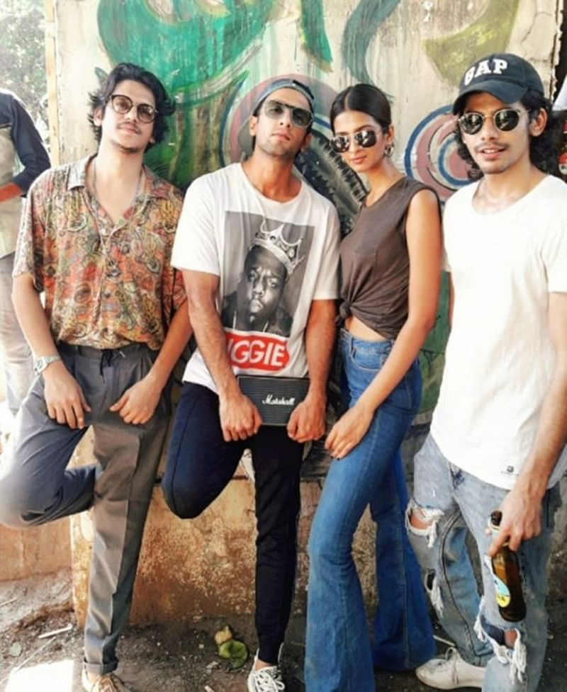 Ranveer Singh wraps up Zoya Akhtar's Gully Boyz; check out the crazy pictures of the celebration