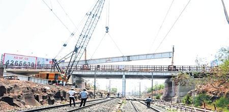 Bhopal: Road widening work hassles commuters on Chetak Bridge