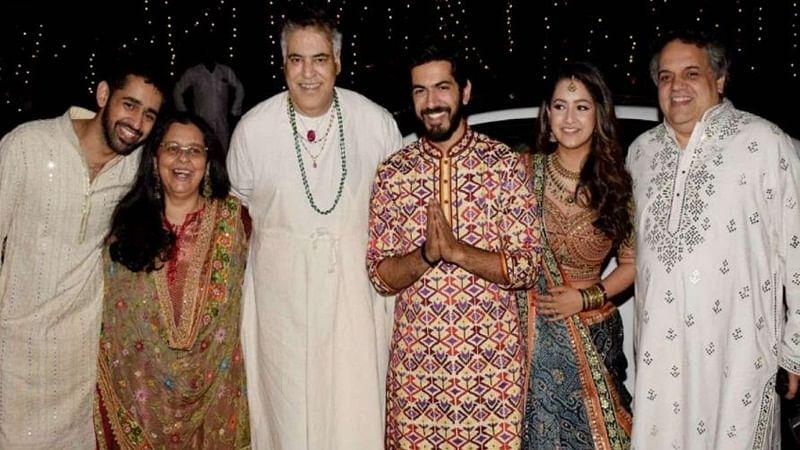 Aishwarya Rai Bachchan to Neetu Singh! B-town attends wedding reception of Sandeep Khosla's niece Saudamini Mattu; [See Pics]