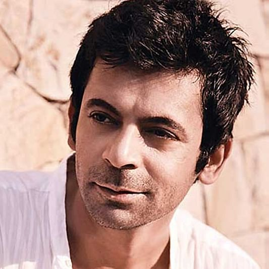 Watch Sunil Grover recreate Rinku Bhabhi's famous song 'Mere Husband Mujhse Pyaar Nahi Karte'