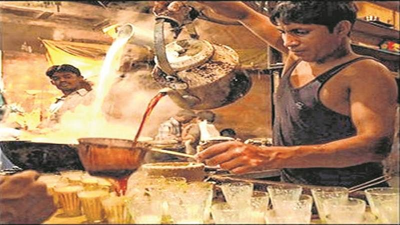 Mumbai: Soon, street vendors may be wearing gloves to serve food