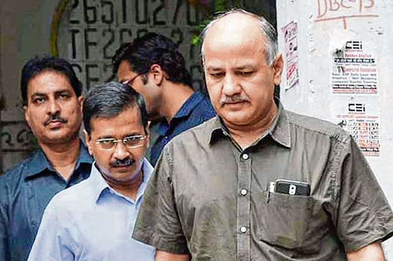 Arvind Kejriwal, Manish Sisodia visit Delhi's CBSE Class 12 exam toppers