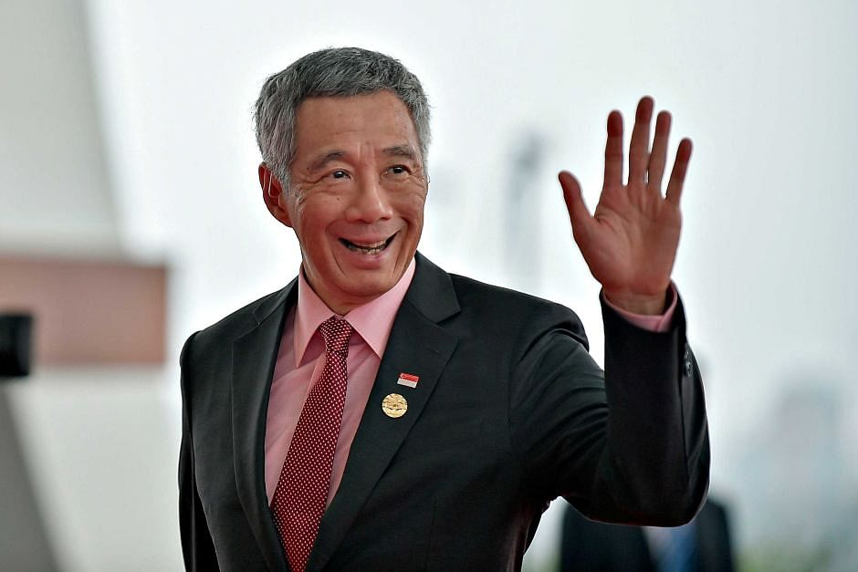 Singapore PM Lee Hsien Loong leads 40,000 devotees in Hindu temple reconsecration ceremony