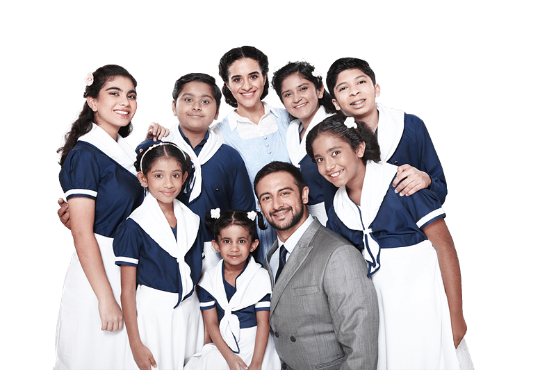 Kunal Vijaykar, Meher Mistry & Arunoday Singh along with the kids from the play