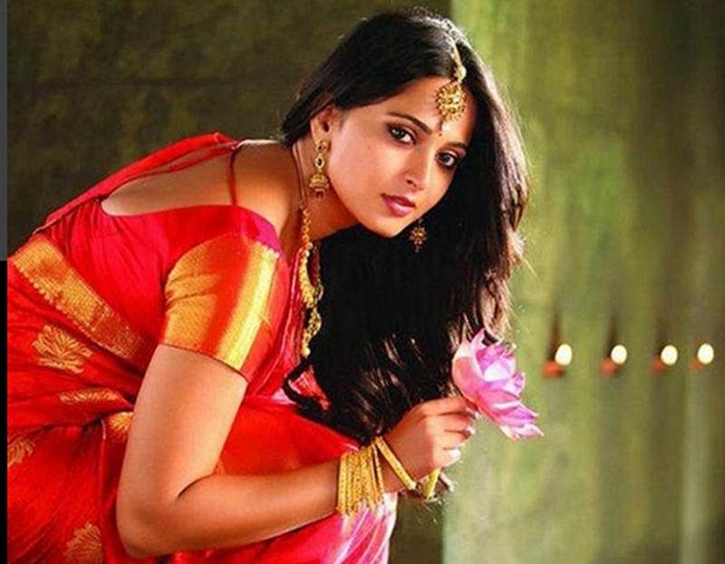 Baahubali actress Anushka Shetty looks eternally beautiful in all her pictures; check them out