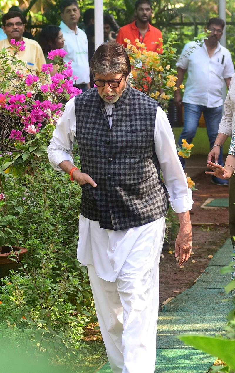 In pictures: Amitabh Bachchan promotes Swachh Bharat in Mumbai