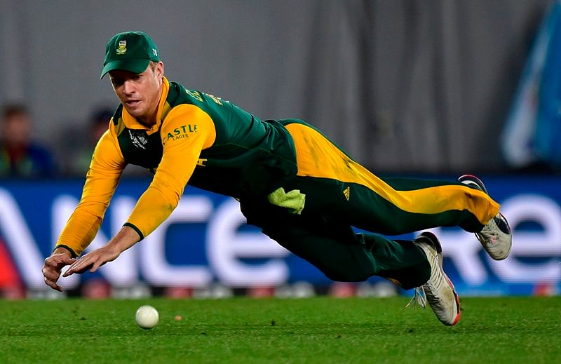 Bollywood celebrities wish South Africa cricketer AB de Villiers on retirement