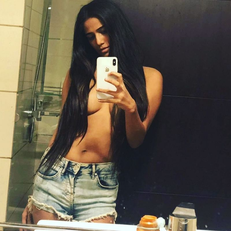 Bold bombshell Poonam Pandey sizzles in her latest topless pictures; check out
