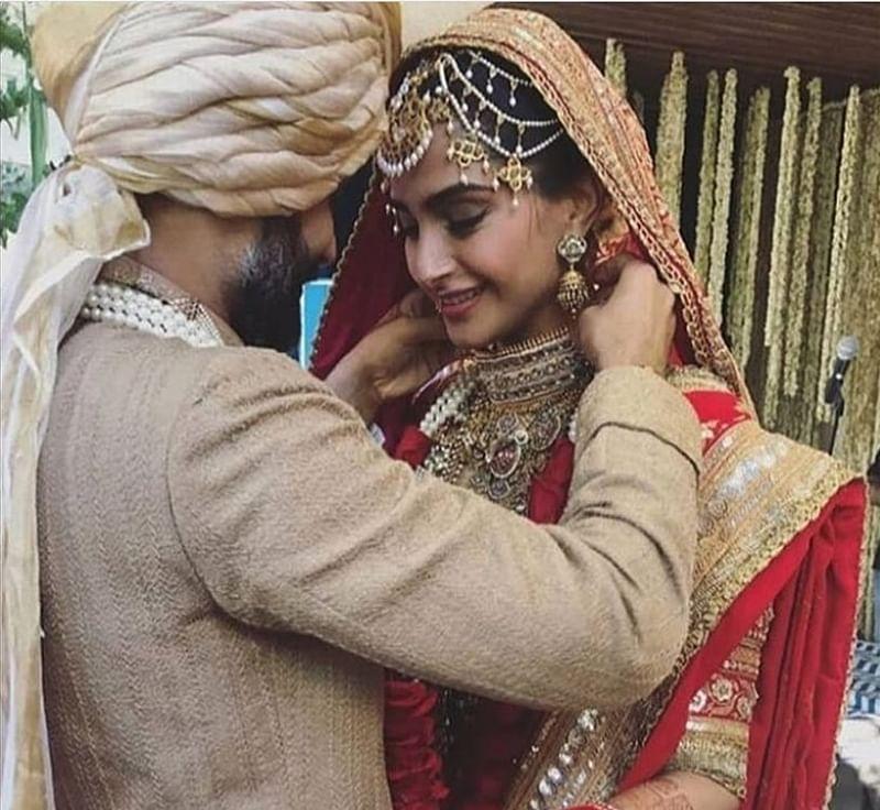 Sonam Kapoor, Anand Ahuja get married; Amitabh Bachchan, Kareena Kapoor among other Bollywood celebs present
