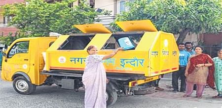Swachh Survekshan 2018: Indore bags numero uno status once again