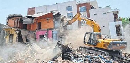 Indore: IMC demolishes three-storeyed building