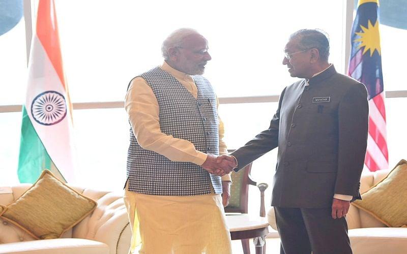 PM Narendra Modi meets Malaysian counterpart Mahathir Mohammad