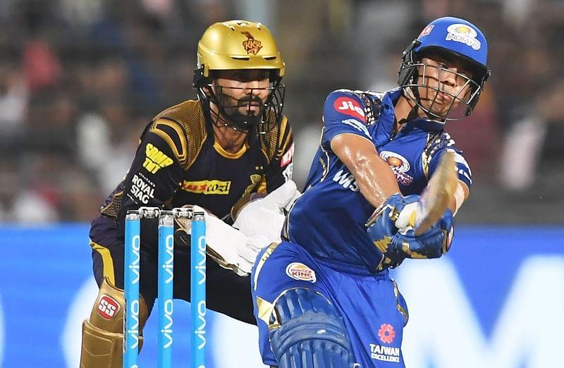 Ishan Kishan plays a shot during the 2018 IPL match against Kolkata Knight Riders. / AFP PHOTO / Dibyangshu SARKAR / GETTYOUT