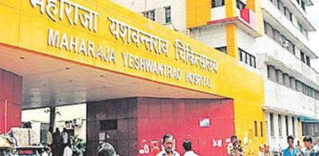 Indore: Junior doctors resume work after written assurance from Maharaja Yashwantrao Hospital admin