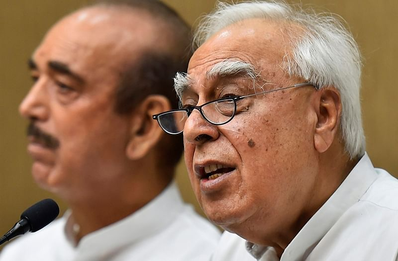 Lawyers object to Kapil Sibal's appearance as advocate in CJI Dipak Misra impeachment case