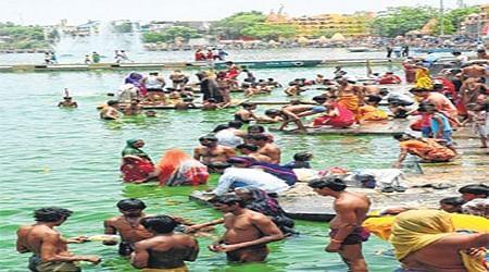 Ujjain: Devotees take dip in Kshipra on Shani Jayanti
