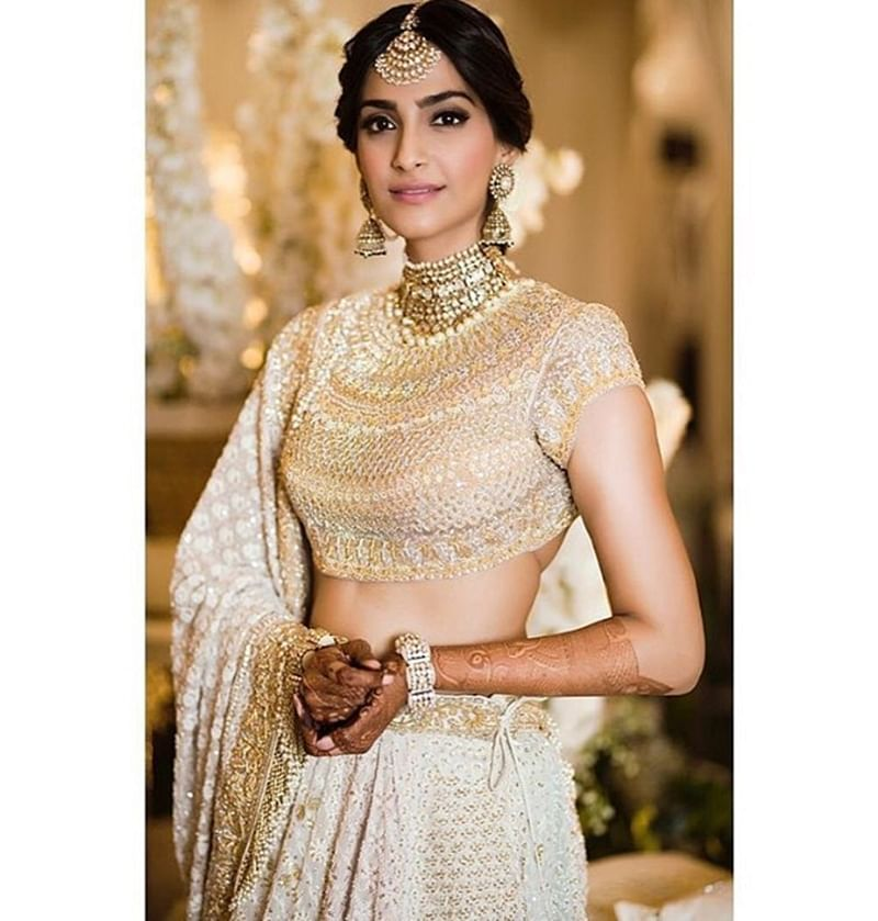 Stunning! Sonam Kapoor's ethnic look for her Mehendi ceremony will leave you speechless; see pics