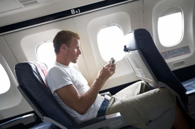 Telecom Commission approves proposal allowing passengers to use mobile, internet in flights
