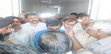 Ujjain: SPAAKS gives memorandum to political parties against caste appeasement