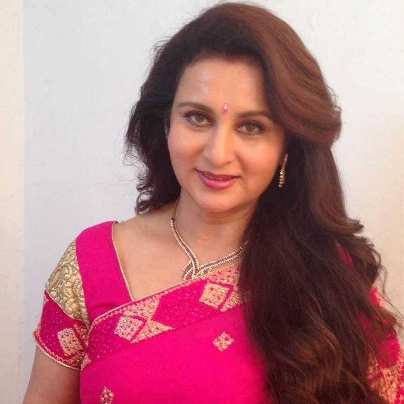 Life age barrier has still to be broken in Hindi films: Veteran actress Poonam Dhillon
