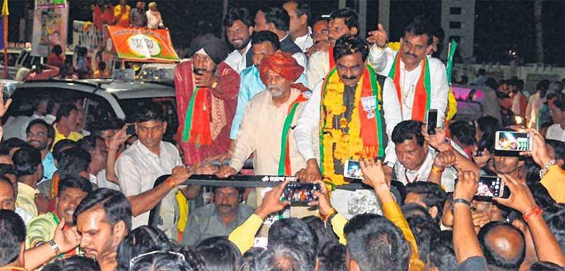 Bhopal: 'Bantadhar' has become 'Karnadhar' says Rakesh Singh