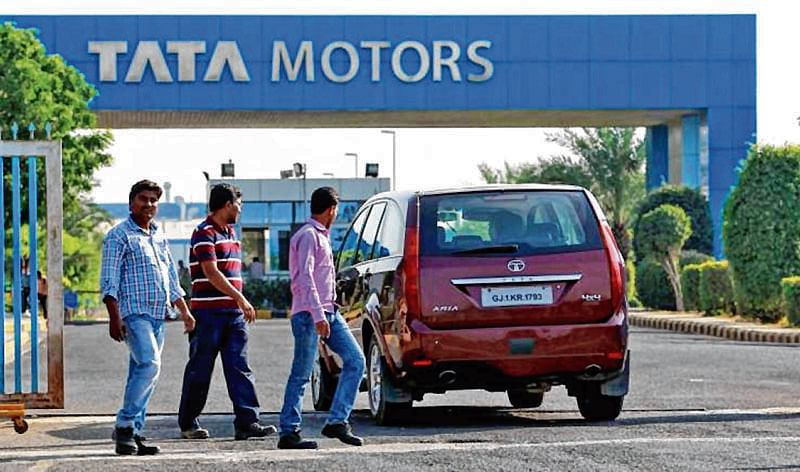 Tata Motors stocks crack over 8% after Q4 results