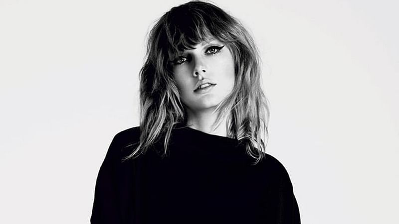Singer Taylor Swift set to open American Music Awards