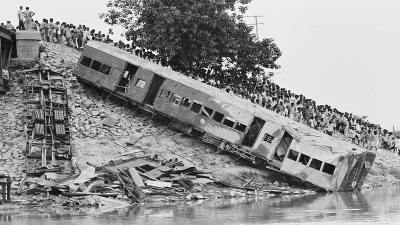 On This Day in History: June 6, 1981 — Passenger train plunges into Baghmati River in Bihar killing more than 500 people