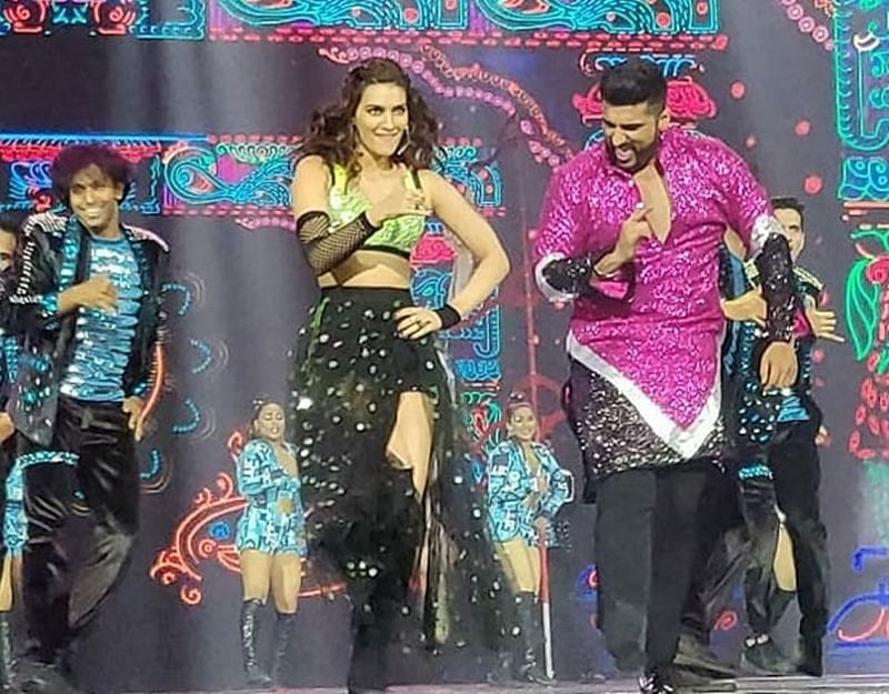IIFA 2018: Arjun Kapoor, Kriti Sanon, Varun Dhawan, Shraddha Kapoor sizzle on the grand night
