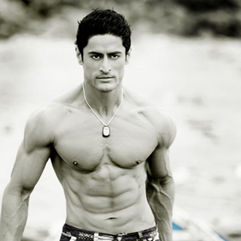 Now Here, Mouni Roy's rumoured boyfriend Mohit Raina to make his Bollywood debut with 'URI'