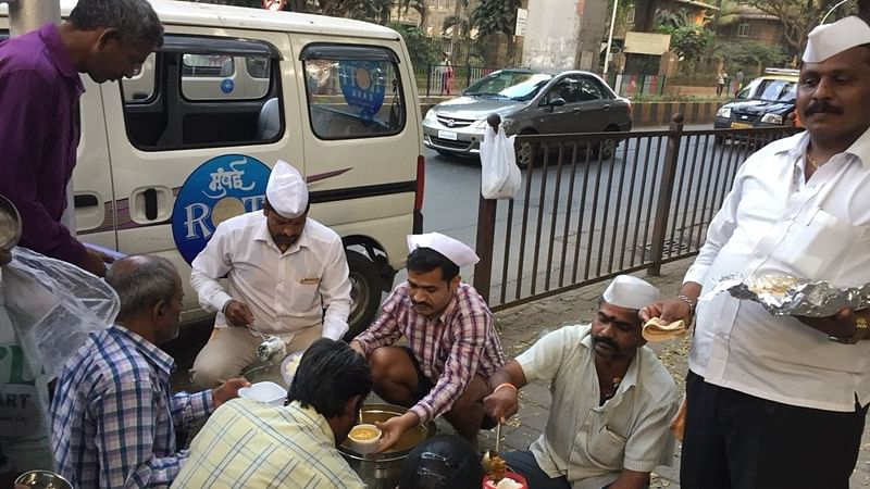Roti Bank by Mumbai Dabbawalas lets you donate your excess food to the hungry