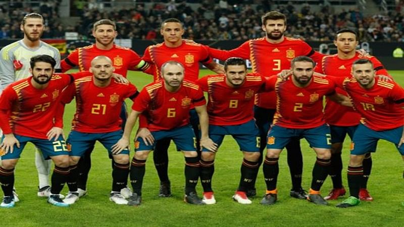 Last stand for stars of Spain's golden generation