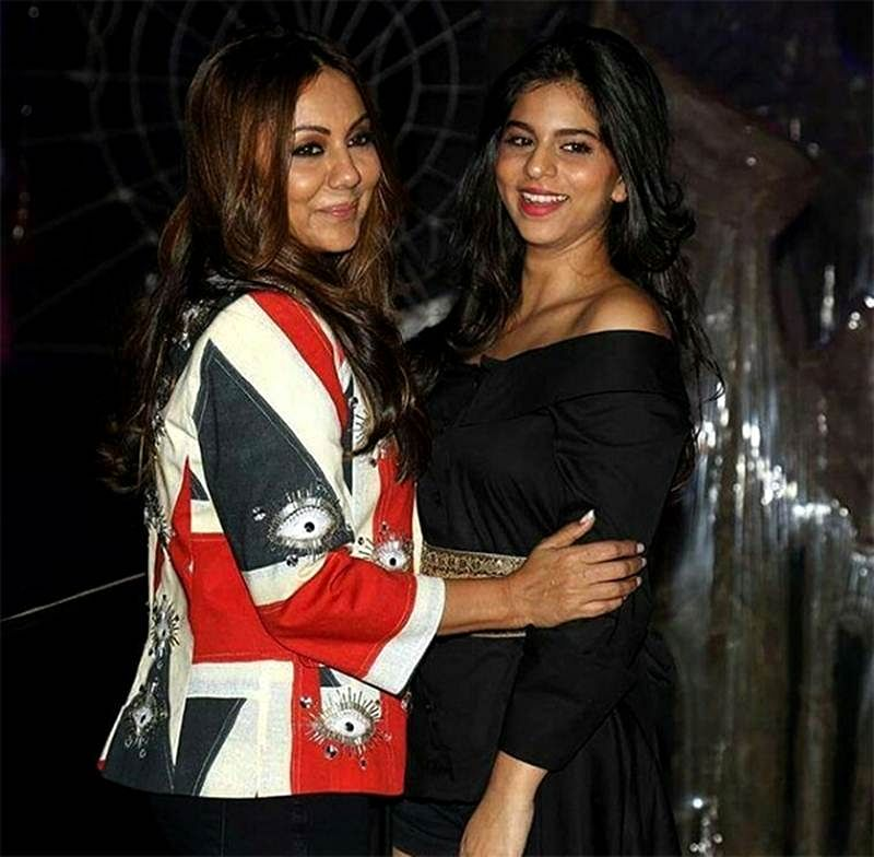 Gauri and Suhana Khan are having a gala time in London; Check out the pics