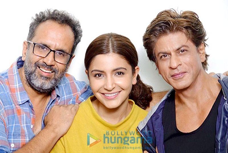 Anushka Sharma celebrates ZERO wrap up with Shah Rukh Khan and Aanand L Rai